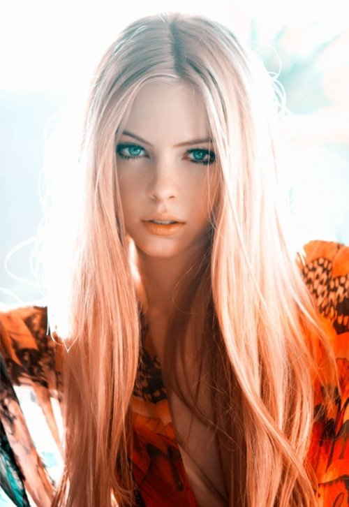 Блондинка с синими кончиками волос порно фото 62288 фотография